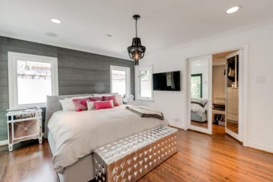 مدل کاناپه و مبلمان راحتی برای چیدمان در اتاق خواب