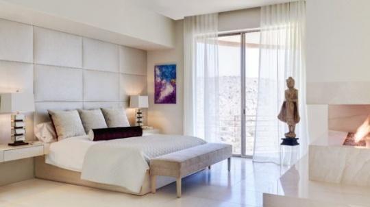 نیمکت و مبلمان راحتی مناسب دکوراسیون اتاق خواب